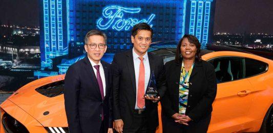 Pirelli y Ford